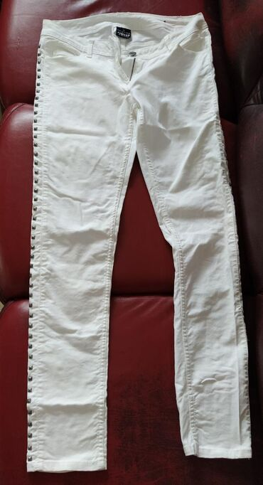 Zenske pantalone, broj 38