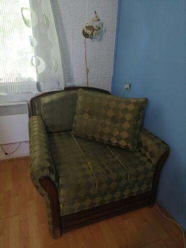 Fotelje | Arandjelovac: Na prodaju fotelja na rasklapanje, dobro ocuvana, sluzila kao pomocni