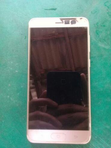 Hisense F10 tecili satilir telefon normal veziyyetdedi batareykasi
