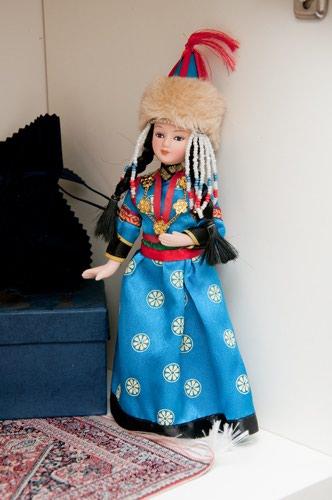 Шикарная фарфоровая кукла с ручной в Бишкек