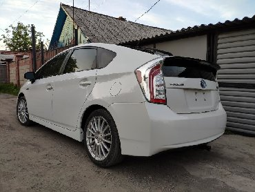 Toyota Prius 1.8 л. 2012 | 56000 км