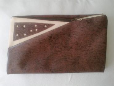 Torbica-na-poklon - Srbija: Unikatna pismo torbica od eko kože-ručni rad, na preklo