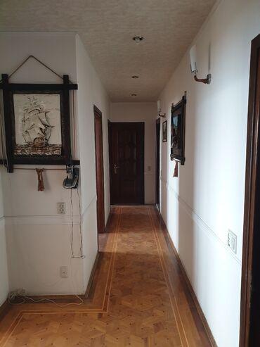 Продам - Азербайджан: Продается квартира: 4 комнаты, 120 кв. м