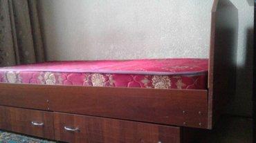 Продаю кровать, стол и буфет.Дешево в Бишкек