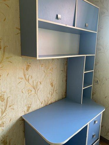 столы на переднем плане в Кыргызстан: Продаю компьютерный стол. Б/УРазмер (мм)Высота 2100Ширина 1110Глубина