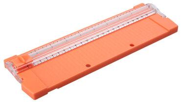 Nova tabla za precizno sečenje papira. Plus rezervni nož. Putanja noža