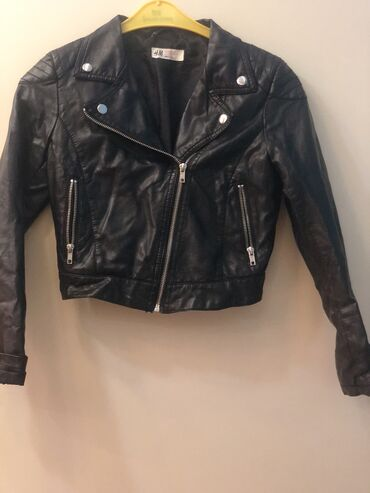 Новая куртка кожаная на 11-12 лет