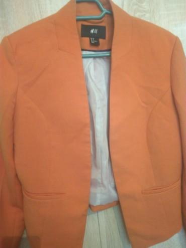 фирмы h в Кыргызстан: Пиджак фирма H&M, оранжевого цвета,укороченный модель