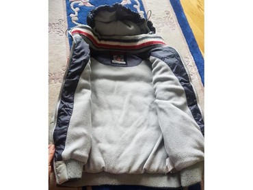 Zimske jakne modeli - Srbija: Waikiki debeo postavljen zimski prsluk jakna sa kapuljacom. Kao nov