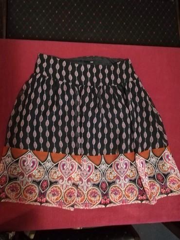 Suknja-duzina - Srbija: Suknja vel 42, obim pojasa 80cm, duzina suknje 60cm
