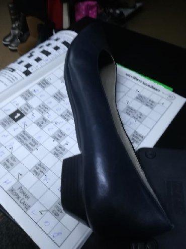 bosonozhki kozha 41 в Кыргызстан: Туфли кожа женские размер 41_42 классика