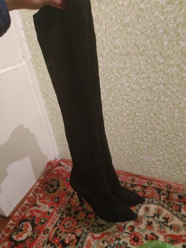 Продаю шикарные ботфорты замшевые, размер 39-40 , носилось пару раз в Бишкек