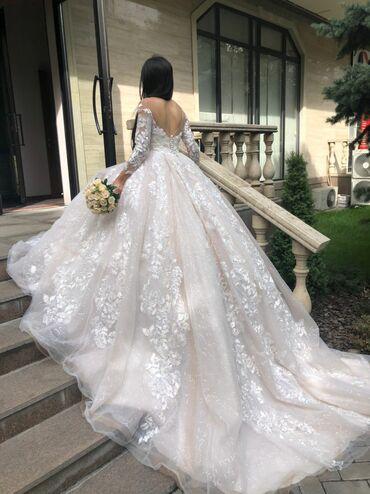 1808 объявлений: Продаю свадебные платья салонам, от 00с, 10шт +1 платье в подарок