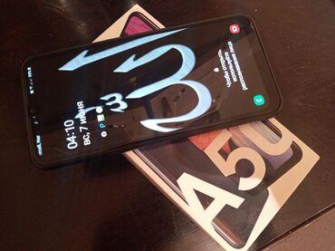 Samsung qalaksi A50 2020 modeli telefon satilir.telefon az iwlenib cox