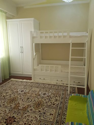 Продаю новую подростковую кровать с матрасом. Ширина 90 см, длинна