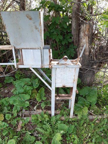 Услуги - Кызыл-Суу: Пр-ся ручной глиноблок почти новая пользовались немного времени