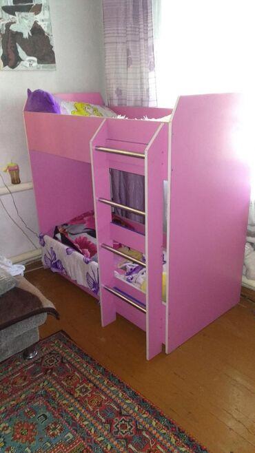 Продаю детскую двух ярусную кровать размер 120 на 80