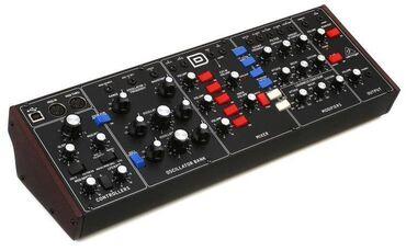 Behringer Model D 100% клон легендарного синтезатора MiniMoog D