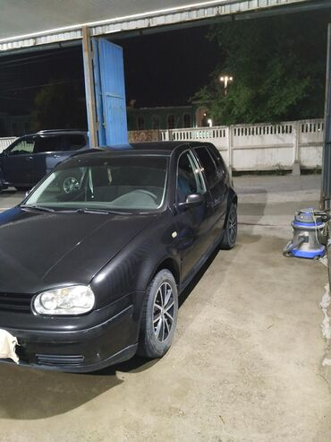 Volkswagen Golf V 1.4 л. 2000
