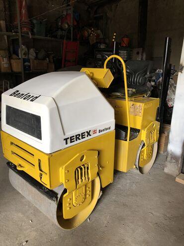 Грузовой и с/х транспорт - Бишкек: Срочно продается каток tv800 terex benford, вес 1559 кг, ширина 800 мм