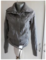 ***C&A*** karirana jaknica XS - Kraljevo