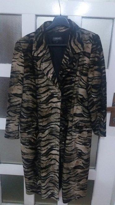 Krzneni kaputi - Pozarevac: Ženski mantil. Sa tankim dlacicama. Lepo izgleda