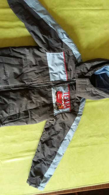 Zimska jakna za decake vel. 8god.Polovna i ocuvana,kupljena u Fr - Petrovac na Mlavi