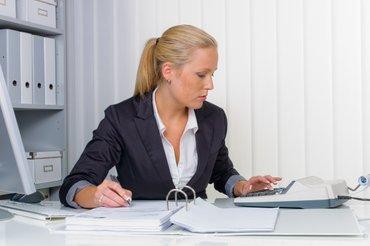 требуется помощник бухгалтера в крупно-торговую компанию осоо в Бишкек