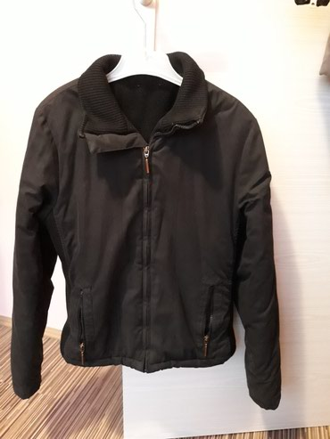 Zenska,sportska,zimska jaknica...M velicina...590 din. - Pozarevac