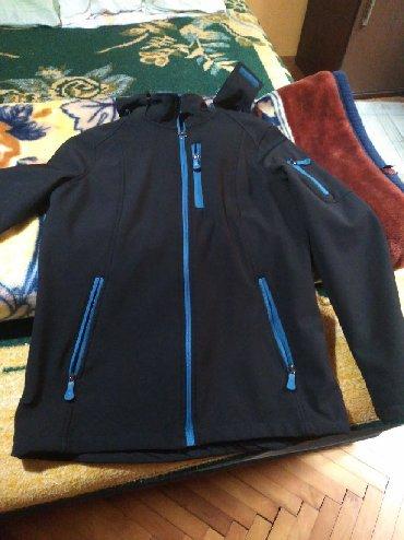 Jakna-br - Srbija: Neprociva jakna crna sa plavim rajfeslusom i kapuljacom br 36
