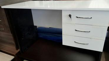 Bakı şəhərində Ofis stolu 120 ×60 sm olcu tezedi catdirilma pulsuzsu weherdaxili