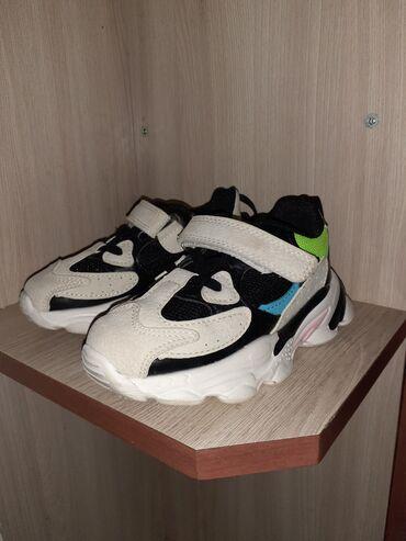 Детская обувь в Беловодское: Продаю детские новые красовки и макаси размер макаси 25 красовки 26