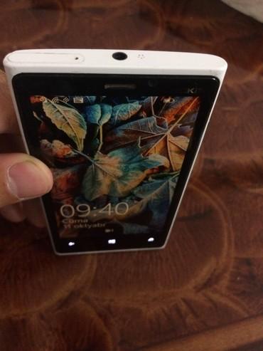 nokia lumia 900 в Азербайджан: Nokia Lumia 920. Danışan zaman qarşı tərəfə səs getmir. Nauşniklə