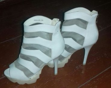 Женские туфли в Hacıqabul