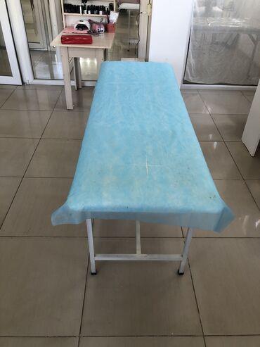 Работа - Ала-Тоо: Сдаётся маникюрный стол в аренду и кушетка для Наращивание ресниц лам