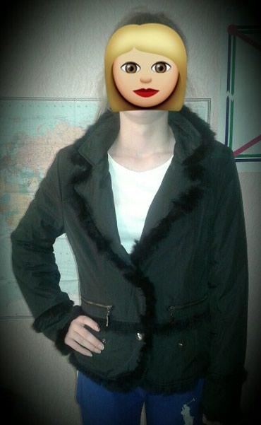 Куртка деми. Размер 44-46. черного цвета. Состояние отличное. 700 сом в Бишкек