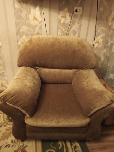 раскладной диван с двумя креслами в Кыргызстан: Диван с двумя креслами. Покупали за 57000 сомов . Продадим за 12 000