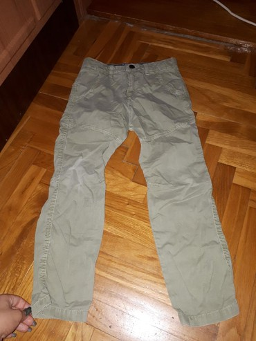 Parka-boja-maslinasto-zelena-marka-hm - Srbija: Zara pamtalonice maslinasto zelene 118cm