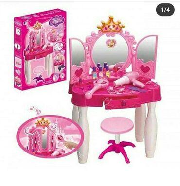"""Игровой набор """"Туалетный столик"""" достоин маленькой принцессы. За ним"""