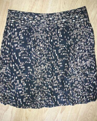 Suknja M velicine. 400 din