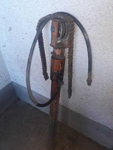 Ostalo | Despotovac: Na prodaju cilindar od traktorskog viljuskara duzina 98cm debljina fi