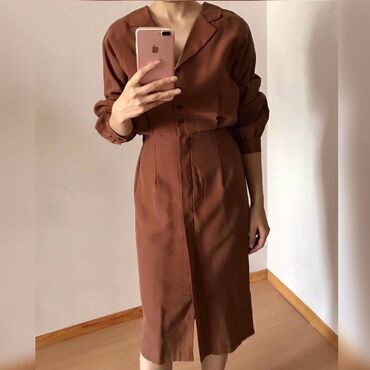Элегантное платье из Кореи. Качество, состояние идеальное. В живую