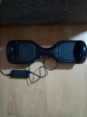 Sport i hobi | Kraljevo: Hoverboard. Sa punjačem. Slabo drzi bateriju, napuni se, ali se