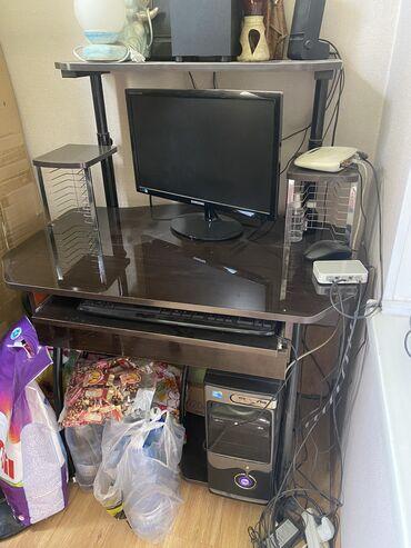 Продаю стол для компьютера
