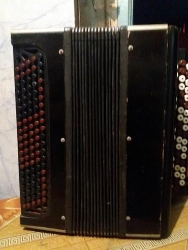 Аккордеоны - Кыргызстан: Продаю аккордеон-баян, советский раритет 1953-го года, в хорошем состо
