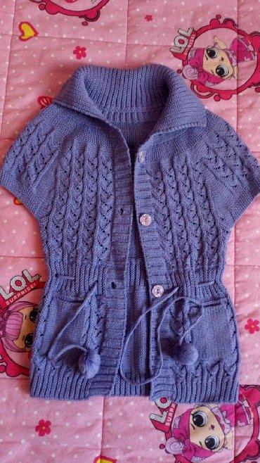 Presladak džemper za devojčice, za otprilike 4-6godina, zavisi od