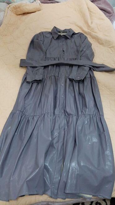 Продаю платья 42 размер состояние идеальное носилось только один раз