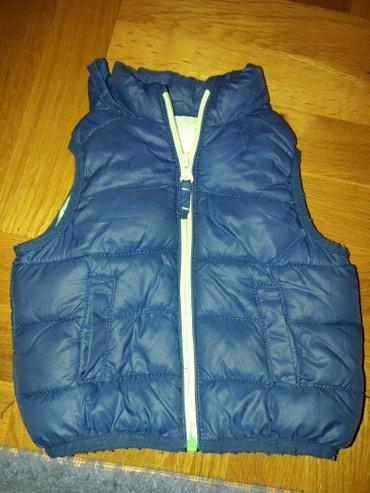 Dečije jakne i kaputi | Kursumlija: Oviese prsluk . predivan. moderan. lepo ocuvan. vel 6-9m . moze i do