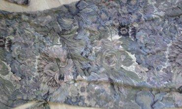 Haljina uz telo - Srbija: Haljina do kolena s vel.prelepo stoji uz telo