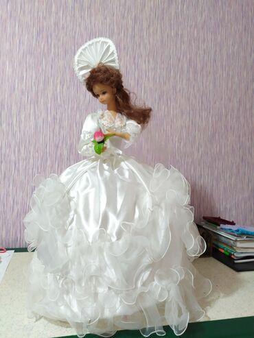 продадим куклу в Кыргызстан: Продаю очень красивую музыкальную куклу с приятной мелодией.Состояние